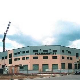 Edificio de 57 14 naves industriales