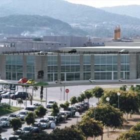Edificio de 11 naves industriales